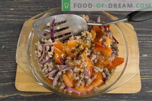 Tarte aux pommes de terre avec viande hachée et légumes