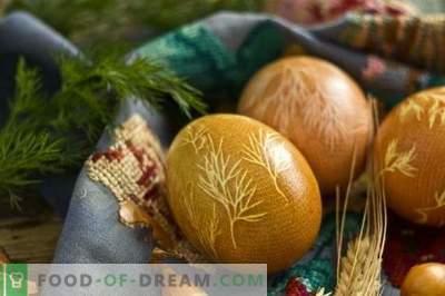 Comment peindre des oeufs pour Pâques avec du curcuma, des pelures d'oignon, de la gaze ...