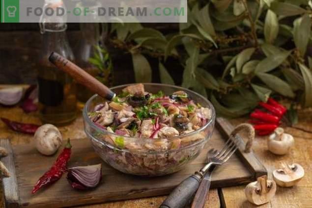 Salade de porc nourrissante aux champignons à la campagne