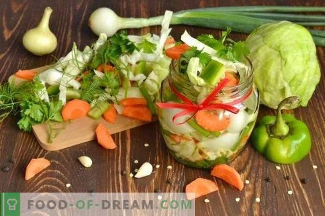 Salade de légumes marinés pour l'hiver