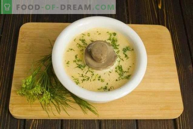 Velouté de champignons à la crème et aux courgettes
