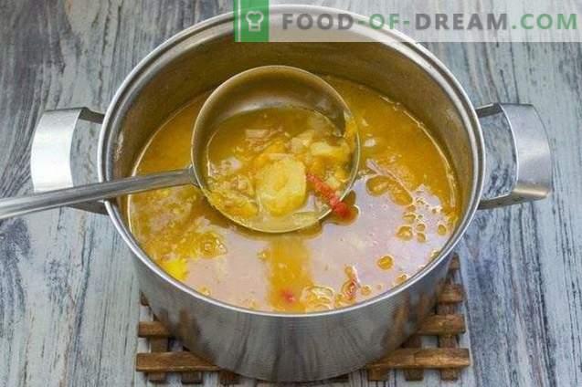 Soupe aux lentilles, tomates jaunes et jeunes pommes de terre