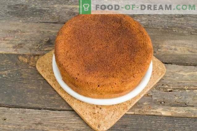 Gâteau éponge aux fraises et à la crème