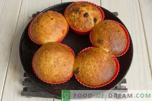 Muffins au fromage cottage avec cardamome et fruits confits