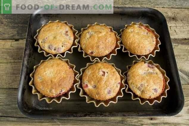 Muffins au kéfir fourrés à la fraise