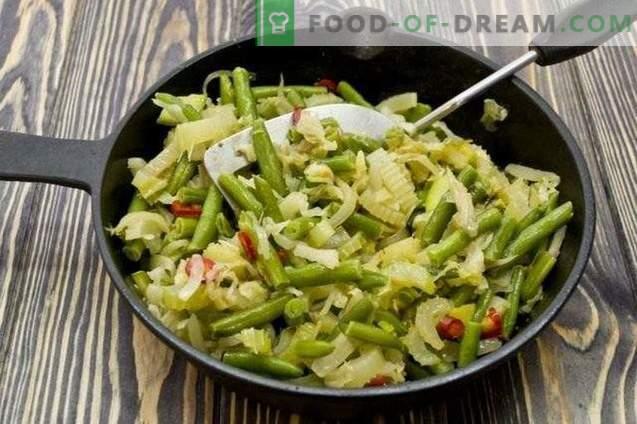 Salade de légumes en couches pour l'hiver