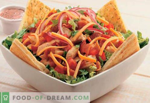 Gerookte worstsalade - bewezen recepten. Een salade koken met rookworst.