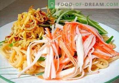 Salade de nouilles - les cinq meilleures recettes. Comment bien et savoureux faire cuire une salade avec des nouilles.
