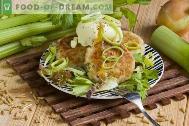 Côtelettes de fromage cottage avec céleri et œuf poché