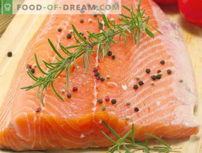 Comment mariner le saumon rose à la maison est savoureux et rapide, de différentes façons