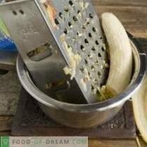 Magnifiques gâteaux au fromage à la confiture de bananes et de pommes