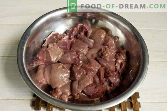 Crêpes de foie de poulet à la sauce aux groseilles