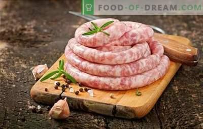 Saucisse de porc et de bœuf maison: qualité et économie. Saucisses de porc et de bœuf faites maison - délicieuses!