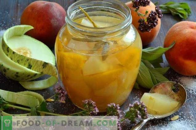 Compote de melon avec pêches et sauge pour l'hiver