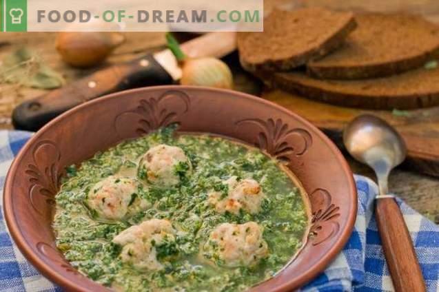 Soupe aux épinards avec boulettes de viande