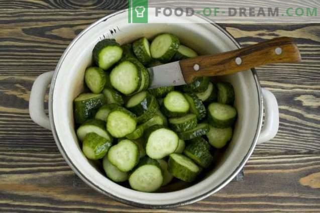 """Salade de concombre pour l'hiver """"Simple"""""""