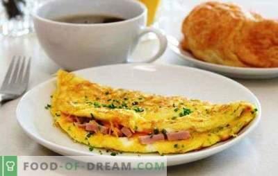 Oeufs brouillés avec des saucisses dans une casserole - un petit déjeuner simple. Recettes pour une omelette dans une poêle avec saucisse et fromage, tomates, bacon, légumes