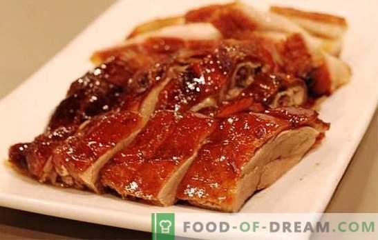 Le canard dans la mijoteuse est un oiseau savoureux! Recettes de différents plats du canard à la mijoteuse: cuits et frits