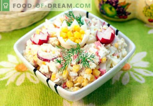 Salade à la chair de crabe - les cinq meilleures recettes. Comment cuire correctement et savourer une salade avec de la chair de crabe.