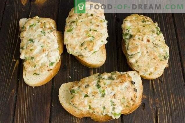 Sandwichs à la côtelette de poulet et au fromage mozzarella cuit au four