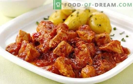 Le ragoût multicuiseur est l'une de ses recettes préférées. Plats de bœuf, porc, poulet, lapin: laisser mijoter la viande dans une mijoteuse