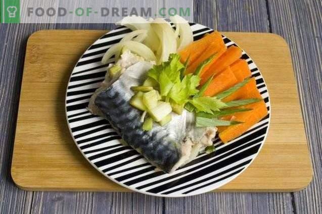 Maquereau en papillote, cuit à la vapeur avec des légumes