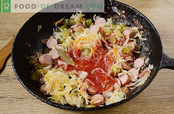 Solyanka de choucroute aux mamelons: un repas rapide et sain. Photo étape par étape de l'auteur recette de soupes de choucroute avec des saucisses et des cornichons