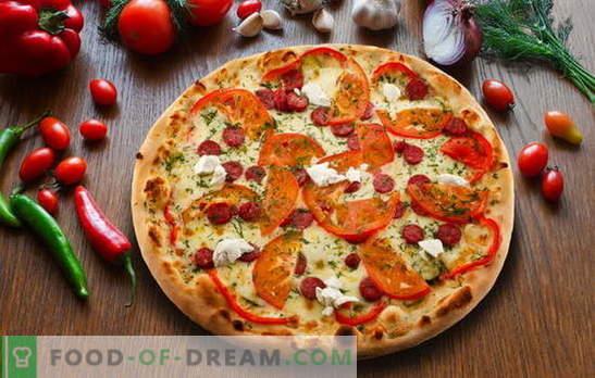 Pizza au pepperoni: variations de la tarte italienne délicieuse. Les meilleures recettes de pizza au pepperoni avec salami, mozzarella, tomates