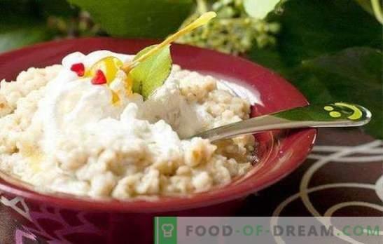 Herkulesbrei auf Milch: das Rezept für das beste Frühstück. Herkulesbrei in Milch mit Trockenfrüchten, Beeren, Gewürzen, Kürbis