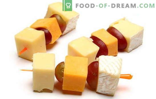 Canapés au fromage - une collation impeccable pour toute célébration. Les meilleures recettes de canapés au fromage: simples et insolites