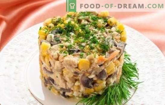 Salade aux champignons et poitrine de poulet: le hit de la saison! Les meilleures recettes d'auteur et l'offre originale de salade aux champignons et poitrine de poulet