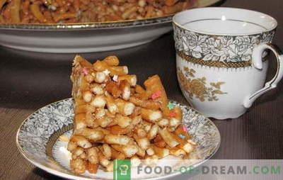 Ce chak-chak est une recette à la maison. Tous les trucs et secrets de la cuisine au miel maison chak-chak