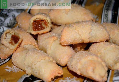Les bagels fourrés sont les meilleures recettes. Comment bien et savoureux bagels cuits avec remplissage.