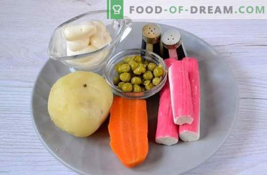 Salade aux bâtonnets de crabe et aux pois verts: une recette universelle pour les vacances et en semaine. Recette pas à pas pour la cuisson de la salade avec des bâtonnets de crabe et des pois (photo)