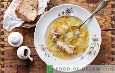 Spring folk menu - sauerkraut casserole. Cooking fish, meat, mushroom and lean soup with sauerkraut
