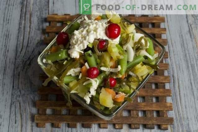 Salade d'algues aux haricots verts et aux canneberges