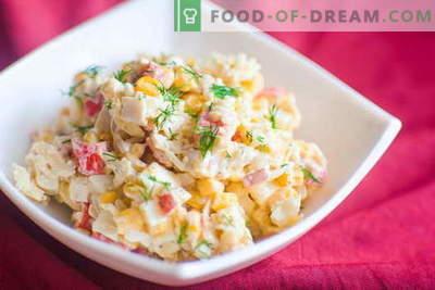 Salade de crabe - les meilleures recettes. Comment cuire correctement et savoureux une salade de bâtonnets de crabe.