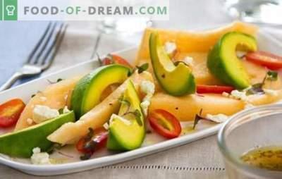 Salade au melon - c'est un délice! Cuisson de salades parfumées et inhabituelles avec melon et poulet, fromage, fruits, noix, avocat, jambon