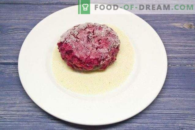 Beet cutlets with apples and flax seeds