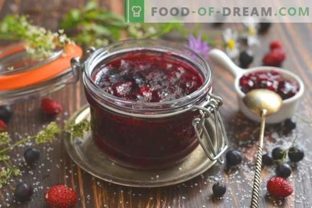 Confiture de cassis et de fraises