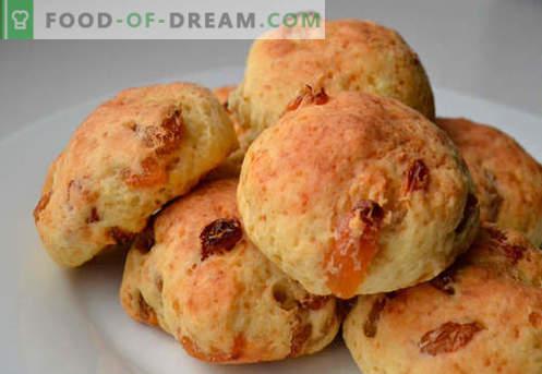 Les petits pains aux raisins secs sont les meilleures recettes. Comment bien cuire des petits pains avec des raisins secs à la maison