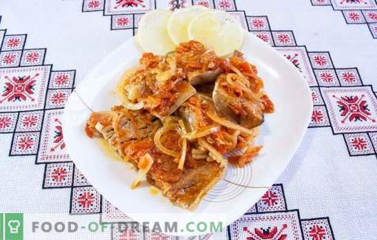 Faites mijoter la goberge avec les oignons et les carottes dans des pots, sur une plaque à pâtisserie, dans une poêle à frire. Recettes habituelles et inhabituelles pour goberge à l'étouffée avec oignons