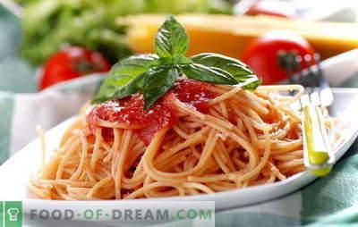 Spaghetti à la pâte de tomate: la cuisson est facile. Recettes de spaghettis avec sauce tomate de tous les jours: avec légumes, poulet, fumé