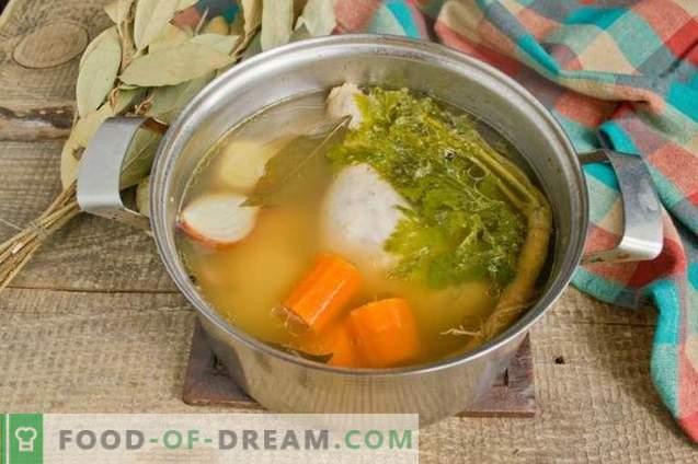 Bouillon de poulet au poulet - riche et aromatique
