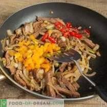 Salade tiède au funchoza, bœuf et champignons