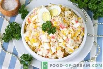 Comment faire cuire une salade de bâtonnets de crabe